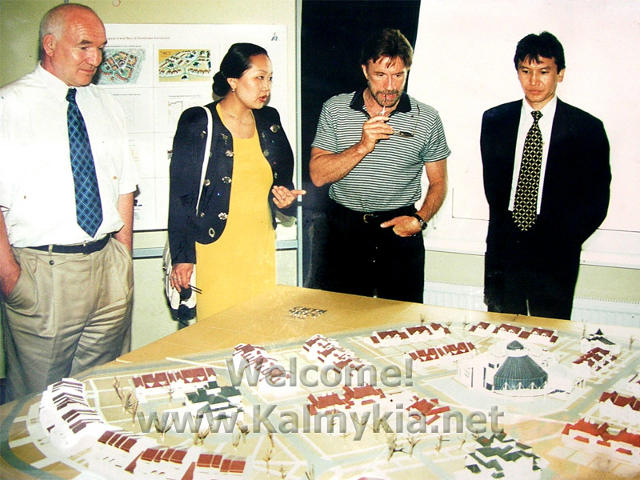 billioner Kirsan Ilyumzhinov and Holliwood star Chuck Norris in Chess City New Vasyuki
